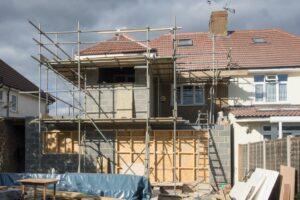 Neutralizacja komplikacji przy budowie domu